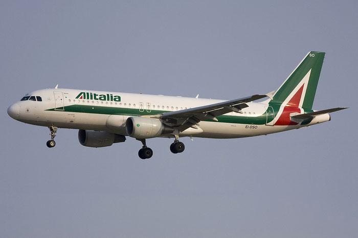 EI-DSO A320-216 3464 Alitalia @ Venezia Airport 11.06.2012 © Piti Spotter Club Verona