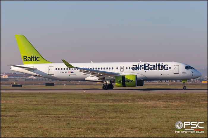 YL-CSG CS300 55009 airBaltic @ Aeroporto di Verona 12.2018  © Piti Spotter Club Verona