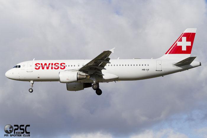 HB-IJI A320-214 577 Swiss International Air Lines @ London Heathrow Airport 07.02.2014 © Piti Spotter Club Verona