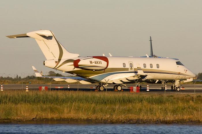 M-AKVI CL-300 20050 AK (VI) Ltd. @ Venezia Airport 27.08.2012 © Piti Spotter Club Verona