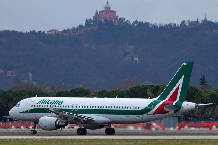 EI-DTH A320-216 3956 Alitalia @ Bologna Airport 12.02.2016 © Piti Spotter Club Verona