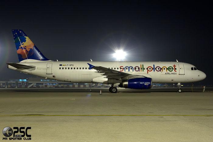 LY-SPA A320-232 1715 Small Planet Airlines @ Milano Malpensa Airport 13.12.2014 © Piti Spotter Club Verona