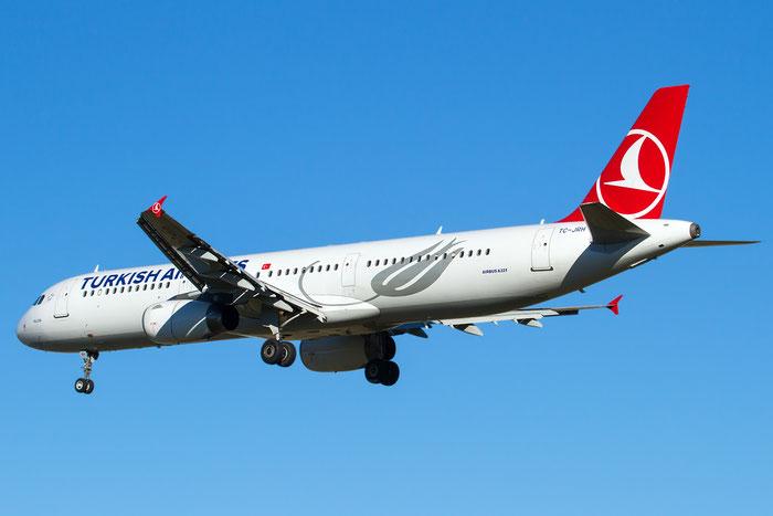 TC-JRH A321-231 3350 Turkish Airlines - THY Türk Hava Yollari @ Bologna Airport 14.02.2016 © Piti Spotter Club Verona