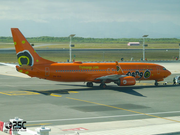 ZS-SJL B737-8BG 32356/819 Mango @ Cape Town Airport 22.03.2014 © Piti Spotter Club Verona