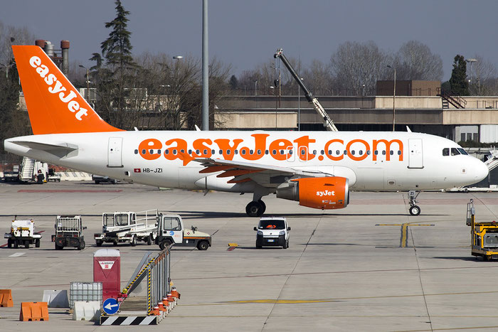 HB-JZI A319-111 2245 EasyJet Switzerland @ Venezia Airport 27.02.2015 © Piti Spotter Club Verona