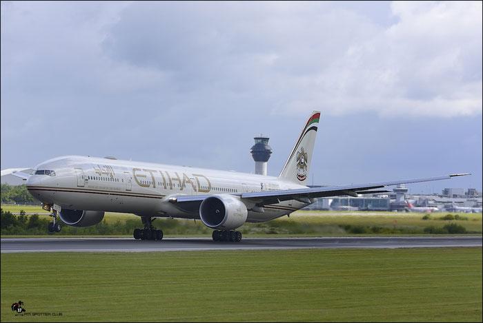 A6-ETJ B777-3FXER 39685/994 Etihad Airways @ Manchester Airport 21.06.2015 © Piti Spotter Club Verona