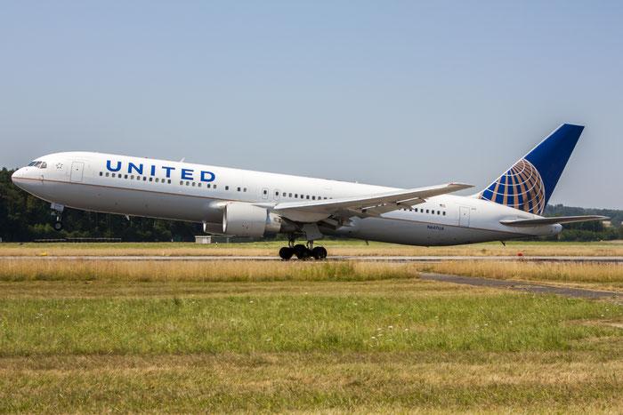N647UA B767-322ER 25284/424 United Airlines @ Zurich Airport 20.07.2013 © Piti Spotter Club Verona