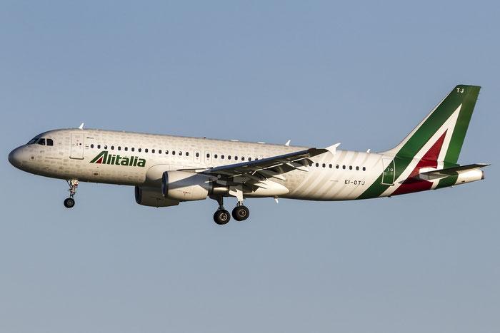 EI-DTJ A320-216 3978 Alitalia @ Venezia Airport 106.09.2015 © Piti Spotter Club Verona