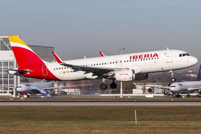 EC-MCS A320-214 6244 Iberia Líneas Aéreas de España @ Munich Airport 28.12.2015 © Piti Spotter Club Verona