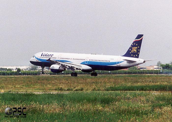 I-PEKN  A321-211  1607  Volare Airlines  @ Aeroporto di Verona © Piti Spotter Club Verona