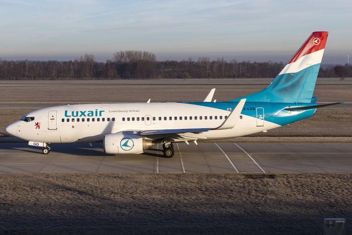 LX-LGQ B737-7C9 33802/1442 Luxair @ Munchen Airport 12.2015 © Piti Spotter Club Verona