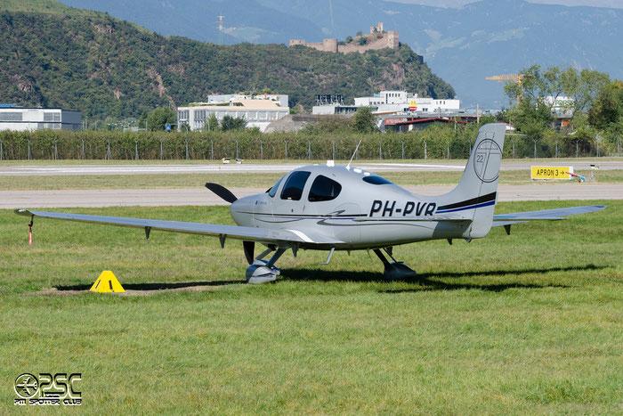 PH-PVR Cirrus Design Corp SR-22T S22T 0189 P.J.M. van Ruth @ Aeroporto di Bolzano © Piti Spotter Club Verona