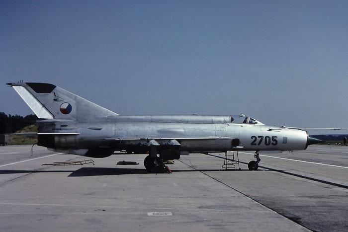 2705 Mikoyan-Gurevich MiG-21 © Piti Spotter Club Verona
