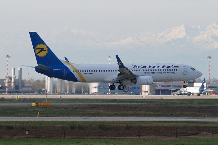 UR-PSC B737-8HX 29662/3182 Ukraine International Airlines @ Milano Malpensa Airport 23.11.2014 © Piti Spotter Club Verona