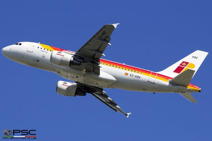 EC-KBX A319-111 3078 Iberia Líneas Aéreas de España @ London Heathrow Airport 08.2017 © Piti Spotter Club Verona