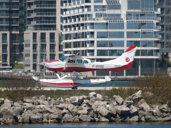 C-GGSG Cessna TU206G T206 U20605852 @ Toronto Bishop Airport 15.03.2016 © Piti Spotter Club Verona