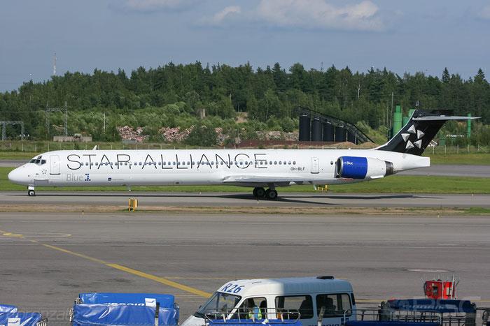 OH-BLF MD-90-30 53543/2194 Blue1 @ Helsinki Airport 2008 © Piti Spotter Club Verona