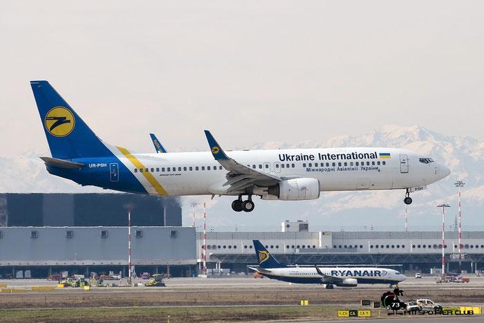 UR-PSH B737-85R 29040/465 Ukraine International Airlines @ Milano Malpensa Airport 20.02.2016 © Piti Spotter Club Verona