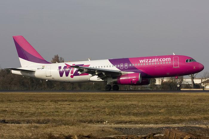 HA-LWF A320-232 3562 Wizz Air @ Treviso Airport 29.01.2012 © Piti Spotter Club Verona