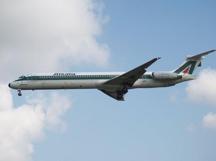 I-DATQ MD-82 53233/2110 Alitalia @ London Heathrow Airport 08.2007 © Piti Spotter Club Verona