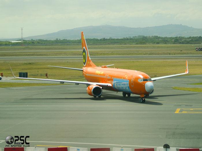 ZS-SJK B737-8BG 32355/807 Mango @ Cape Town Airport 22.03.2014 © Piti Spotter Club Verona