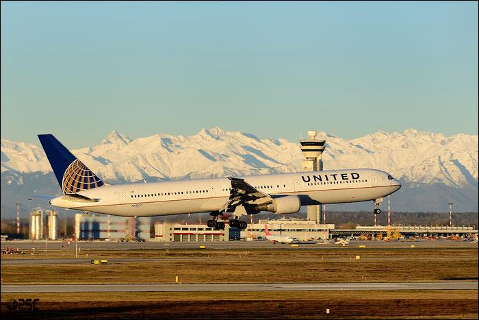 N66057 B767-424ER 29452/859 United Airlines @ Milano Malpensa Airport 25.01.2014 © Piti Spotter Club Verona