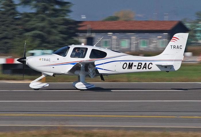 OM-BAC Cirrus SR20 TRAC 2578 Private @ Aeroporto di Verona 11.2020  © Piti Spotter Club Verona
