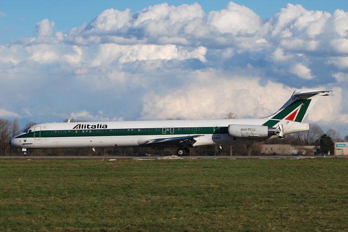 I-DACT MD-82 53054/1856 Alitalia @ Milano Linate Airport 02.01.2010 © Piti Spotter Club Verona