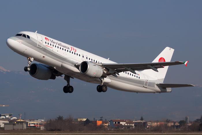 I-EEZI  A320-214  749  Meridiana Fly  @ Aeroporto di Verona © Piti Spotter Club Verona