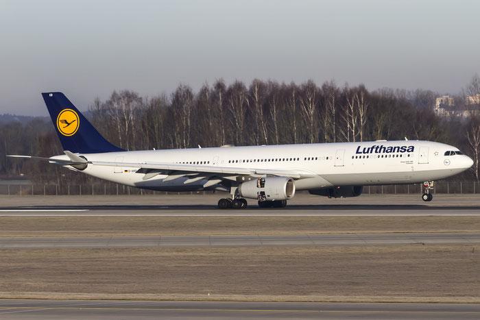 D-AIKB A330-343E 576 Lufthansa @ Munich Airport 12.2015 © Piti Spotter Club Verona