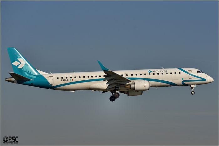 I-ADJO ERJ195LR 19000280 Air Dolomiti @ Bologna Airport 06.12.2013 © Piti Spotter Club Verona