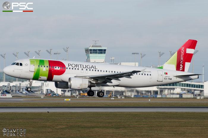 CS-TNR A320-214 3883 TAP Portugal - Transportes Aéreos Portugueses @ Munich Airport 13.12.2015 © Piti Spotter Club Verona