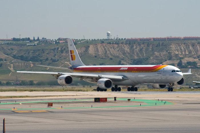 EC-LEU A340-642 960 Iberia Líneas Aéreas de España @ Madrid Airport - 25.05.2011  © Piti Spotter Club Verona