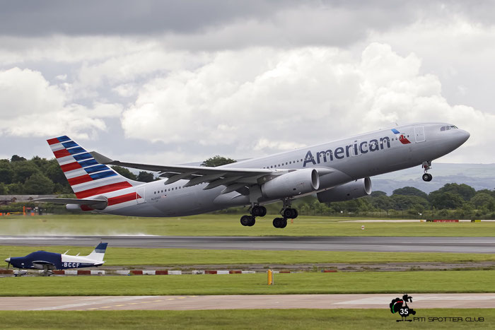 N288AY A330-243 1441 American Airlines @ Manchester Airport 21.06.2015 © Piti Spotter Club Verona