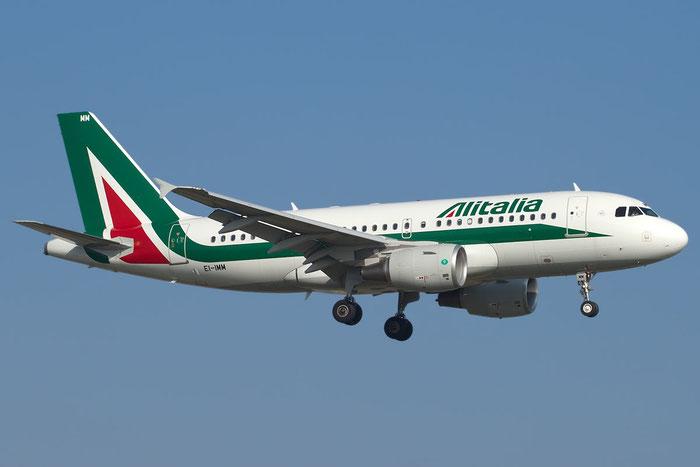 EI-IMM A319-111 4759 Alitalia @ Bologna Airport 15.11.2011 © Piti Spotter Club Verona