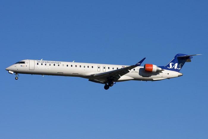LN-RNL CRJ900 15250 SAS Scandinavian Airlines - Scandinavian Airlines System @ Bologna Airport 03.12.2012 © Piti Spotter Club Verona