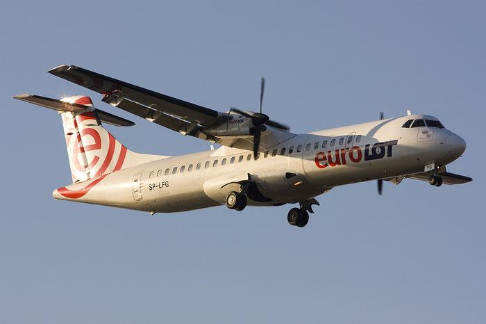 SP-LFG ATR72-202 411 EuroLOT @ Treviso Airport 14.01.2012 © Piti Spotter Club Verona