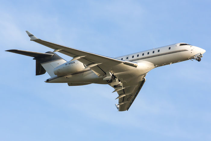 M-AQUA Global 5000 9157 Bayham Ltd. @ Treviso Airport 19.09.2013 © Piti Spotter Club Verona