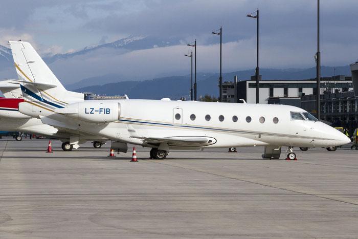 LZ-FIB IAI1126 11 BH Air @ Innsbruck Airport 10.2014 © Piti Spotter Club Verona