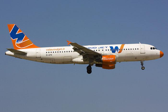 EI-DFN A320-211 204 Wind Jet @ Rimini Airport 14.07.2012 © Piti Spotter Club Verona