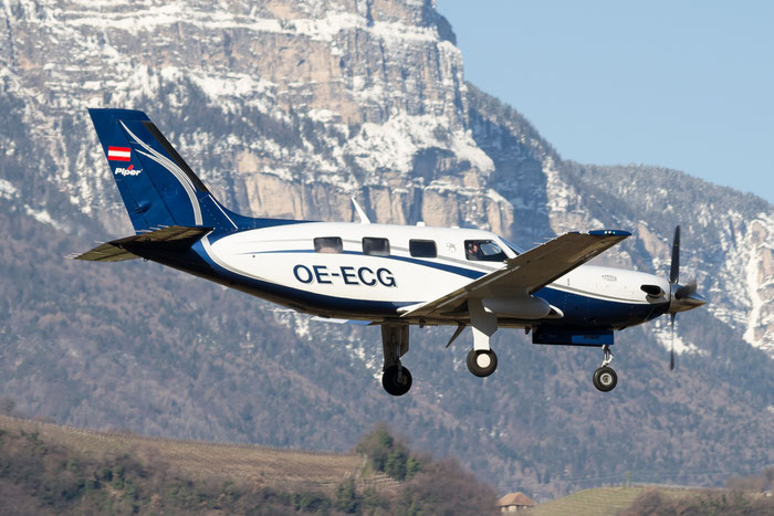 OE-ECG PA-46-500TP 4697495 Josef Gruber @ Aeroporto di Bolzano © Piti Spotter Club Verona