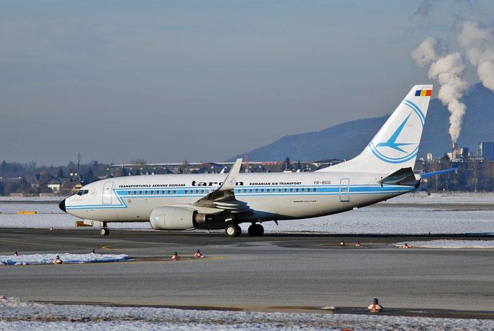YR-BGG B737-78J 28442/827 TAROM - Transporturile Aeriene Romane @ Salzburg Airport 2011 © Piti Spotter Club Verona