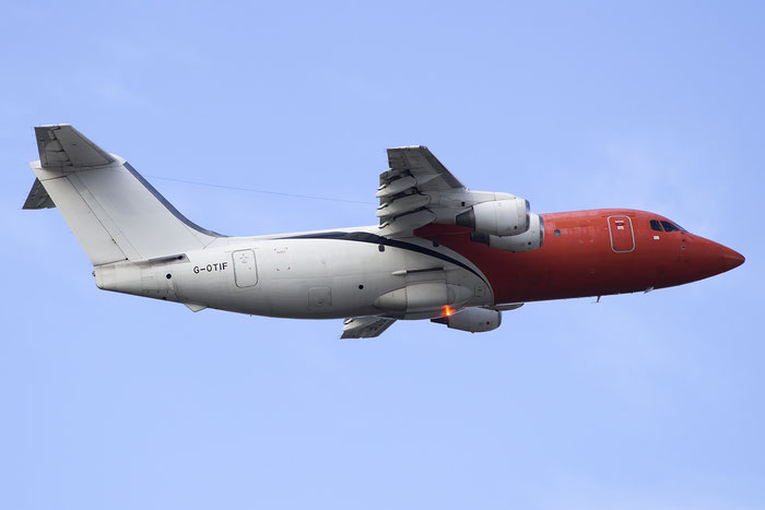G-OTIF BAe146-200QT E2056 BAE SYSTEMS Corporate Air Travel @ Bari Airport 10.11.2016 © Piti Spotter Club Verona
