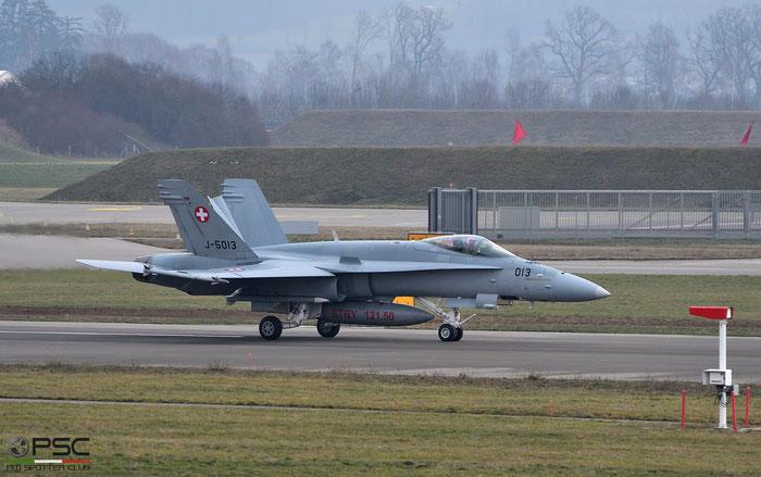 J-5013   F/A-18C-49-MC  1357/SFC013 © Piti Spotter Club Verona