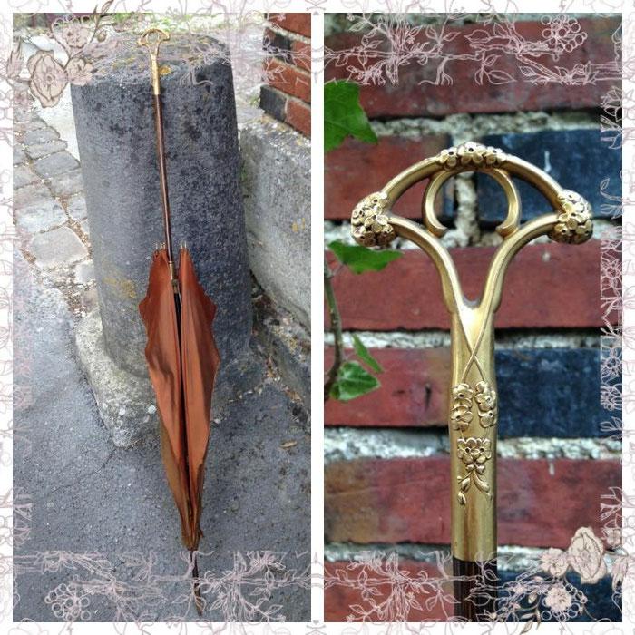 Achat d'une ombrelle chez un antiquaires. ...