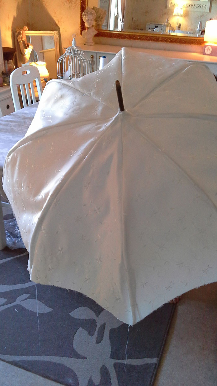 Renovation de l'ombrelle par mon petit mari. .....