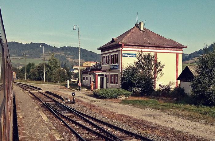 Bahnhof Nálepkovo. Ab hier fahren nur noch zwei Züge am Tag in westliche Richtung.