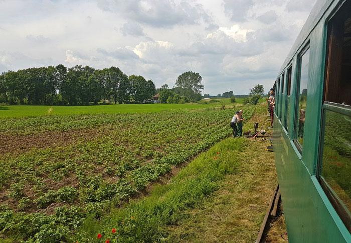 Gleisbauarbeiter sorgen für Sicherheit an der Strecke
