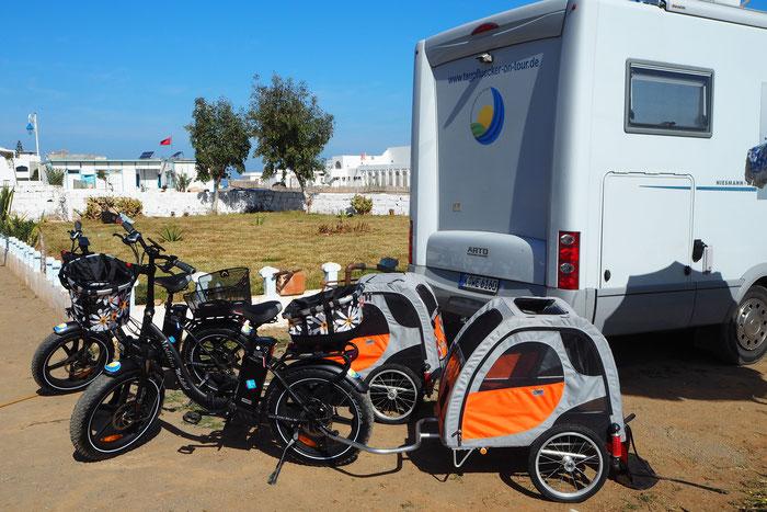Startklar-Machen für Jungfernfahrt in Marokko
