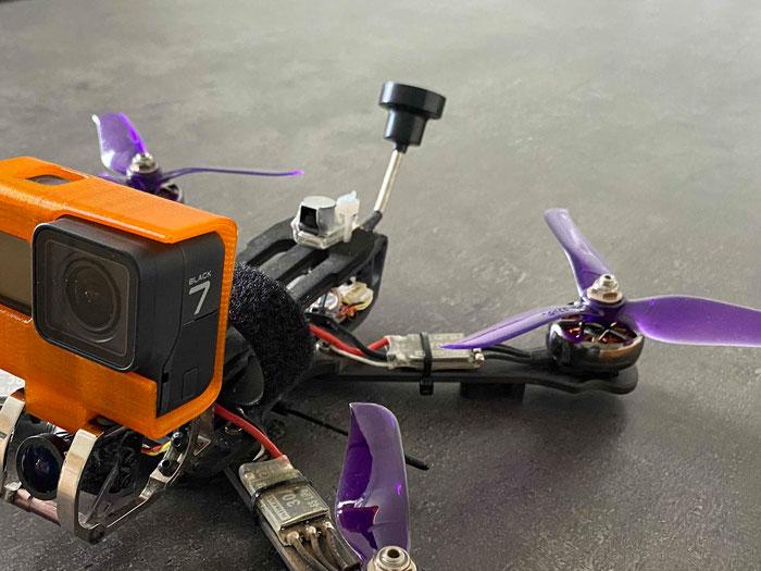 400€ de drone+ 300€ de go pro: Mon préc-cieux...